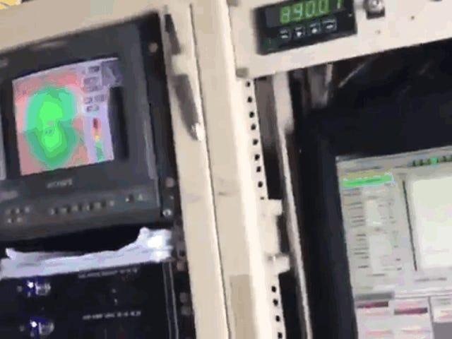 El khủngífico Espectáculo de atravesar el Huracán Irma desde uno de los aviones metsengológicos que lo estudian