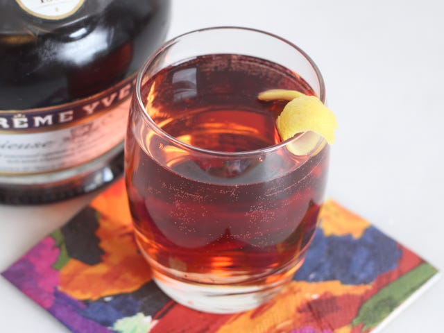 Start the Weekend With a Low-ish Proof Violet Spritzer