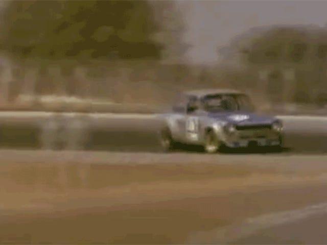 Ito Tiny Ford Escort Wails sa 9,000 RPM