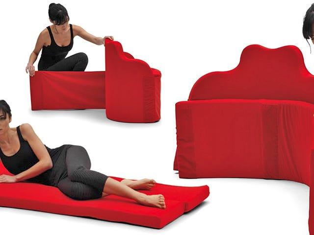 Denne ekstra madras ruller op i en stol i løbet af dagen