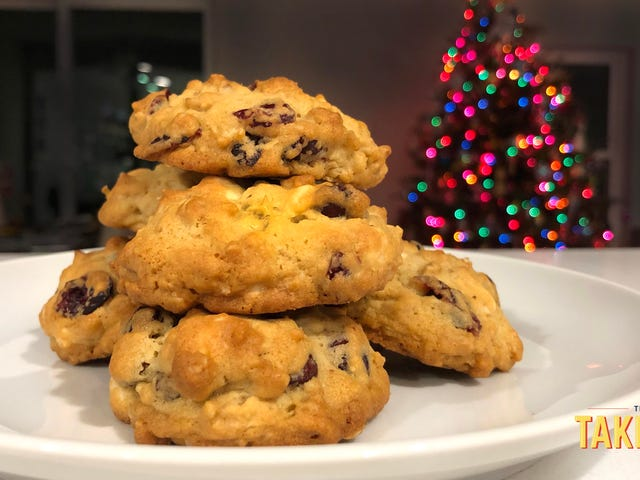 Our favorite holiday cookie recipes, pt. 1: Cranberry oatmeal chocolate chunk cookie