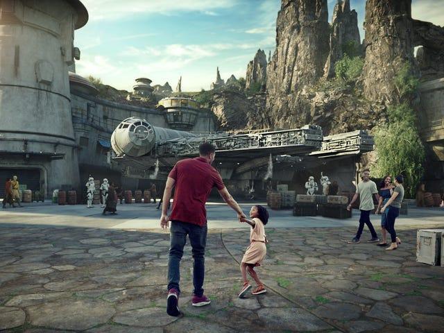 Vi har varit i <i>Star Wars: Galaxy&#39;s Edge</i> och liv kommer aldrig att vara samma