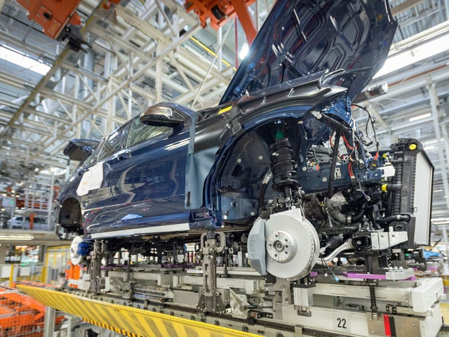Trumpin kauppasota syyttää erityisesti autoja rakentavat valtiot