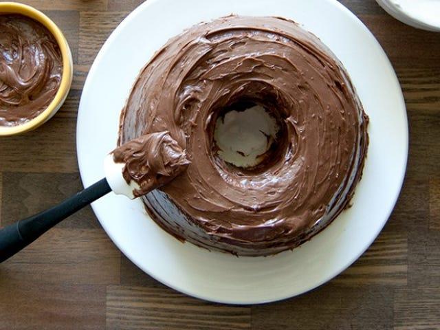 Machen Sie einen köstlichen, cremigen Zuckerguss aus Schokolade und Süßkartoffeln