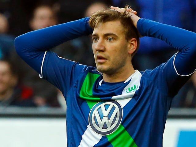 Volkswagen-Sponsored Wolfsburg Fine Nicklas Bendtner Para sa Pag-post ng Isang Larawan Ng Mismo Sa Isang Benz