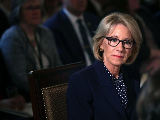 Die Studentendarlehenssammlungen des Bundes werden für 60 Tage eingestellt