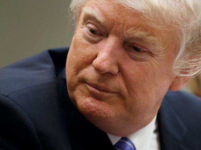 Amerikanske etterretningstjenestemenn holder tilbake informasjon fra Donald Trump fordi de er bekymret for lekkasjer