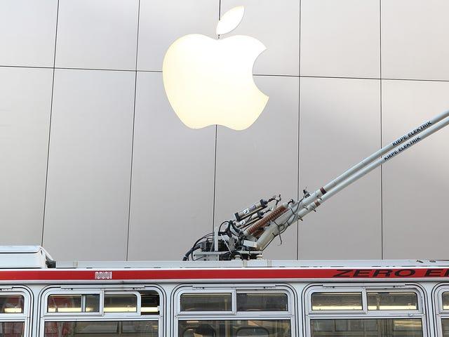苹果公司,谷歌Reroute员工巴士在旧金山附近的一系列指控攻击