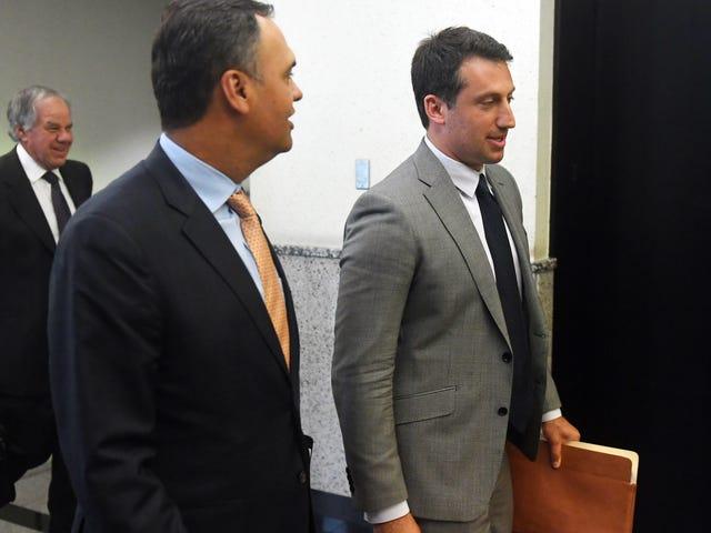 Staatsanwälte fordern den Richter auf, die Strafverteidiger von Robert Kraft in gerichtlicher Verachtung zu halten