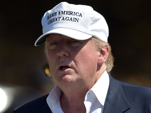 Een van de adviseurs voor het buitenlands beleid van Donald Trump loog over het feit dat hij model VN was