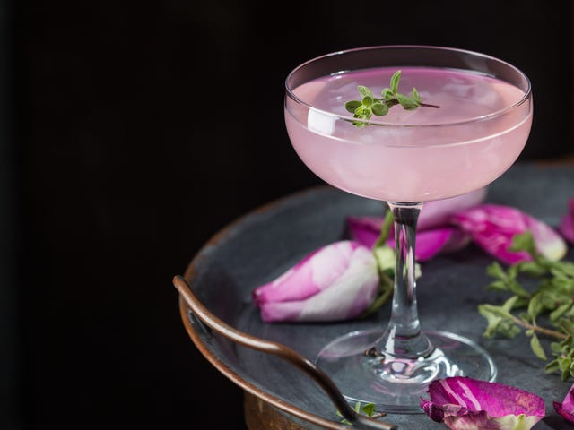 U.K. chain tests gender-neutral cocktails so dudes can order girly drinks in peace