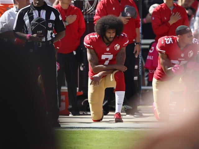 Colin Kaepernick seisoo Anthemin seuraavalla kaudella, ja Hänen pitäisi