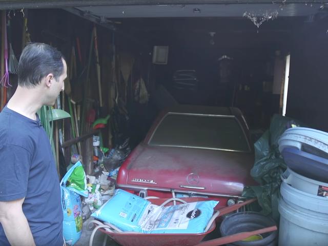37 년 동안 씻지 않은 자동차를 자세히 설명하는 방법