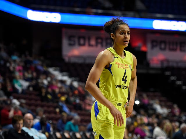 WNBA Star Skylar Diggins, Fed Up With Lack of Support, Reveals She Played Entire 2018 Season While Pregnant