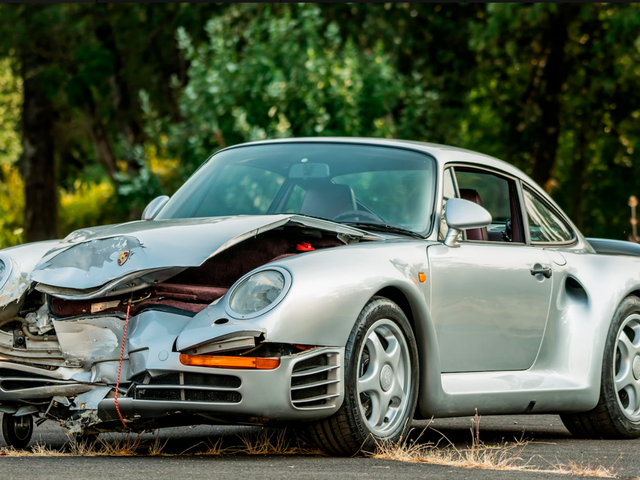 A Wrecked Porsche 959 Still Sold for $476,5000 at the Monterey Auction