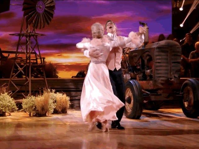 Simone Biles No chance contra Chris Kattan na próxima temporada de Dancing With the Stars