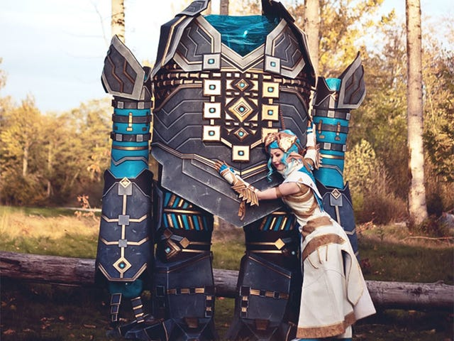 <i>Guild Wars 2</i> Cosplay Includes 9-Foot-Tall Golem