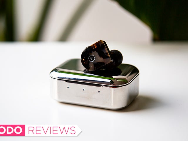Master & Dynamic ng Bagong Truly Wireless Earbuds Thump