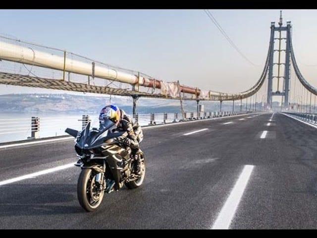 Kim seri üretim süper bisiklet üzerinde 500km / s kırmak başardı ...