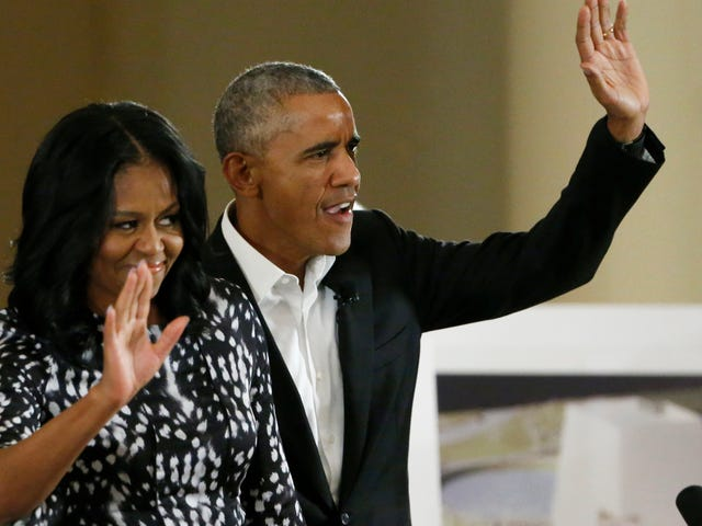 The Obamas May Return to Us Via Netflix Deal