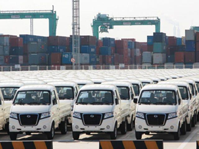 Дилеры китайской автомобильной компании в марте на штаб-квартире компании за то, что не дали им никаких автомобилей