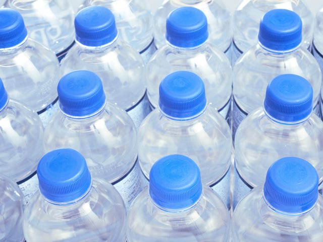 Plastic water bottles may be drying up, saysWall Street Journal