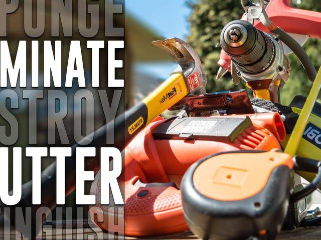 Machen Sie einen Werkzeug-Organizer für Ihre Garage mit einer Palette und Pegboard