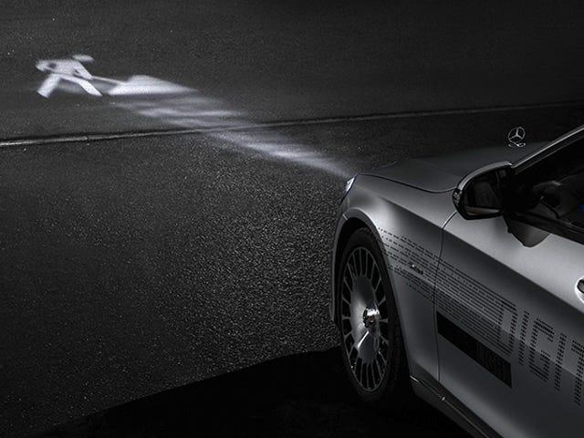 Mercedesin futuristiset ajovalot loistavat varoitusmerkkejä tiellä ja ne eivät enää ole vain konsepti