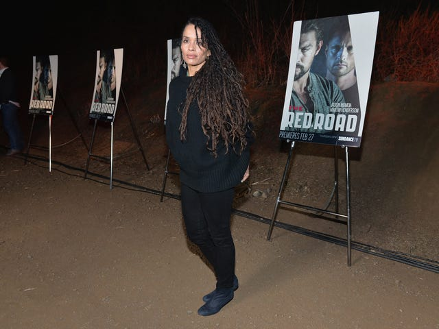 Lisa Bonet Opens Up, Says She Sensed 'Sinister, Shadow Energy' From Co-Star Bill Cosby
