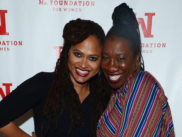 """Tarana Burke diz que Ava Du-Vernay era """"a única"""" de muitas mulheres negras proeminentes que iriam contra Rick Kelly"""