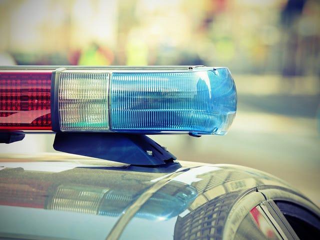 Juri Memerintah bahawa Polis Stockton Menggunakan Kekuatan Berlebihan dalam Penangkapan yang Meninggalkan Remaja Dengan Dua Gigi Hilang
