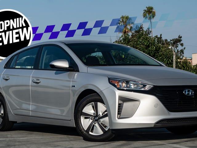 2018 Hyundai Ioniq Is a Car to Get if You Love Money