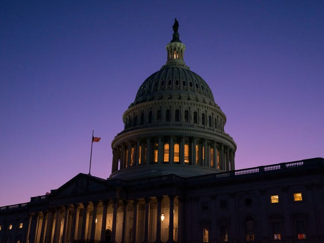 速報:Impeachトランプへの家の投票