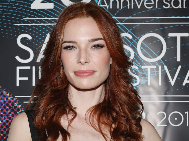 Chloe Dykstra, Ex of Chris Hardwick, Describes Disturbing Abuse by 'Successful Podcaster' Ex Boyfriend