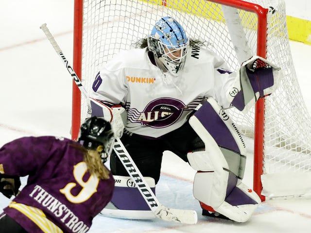 200名女子曲棍球运动员承诺抵制北美职业联赛