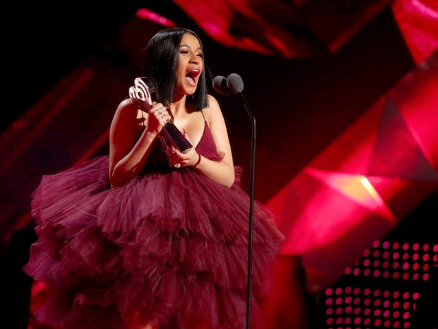 Red-Carpet Roundup: It's All Love at the iHeartRadio Awards (With a Healthy Dose of Cardi B)