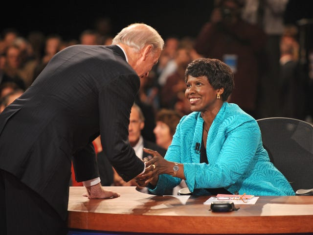 Groundbreaking Journalist Gwen Ifill Dies at 61