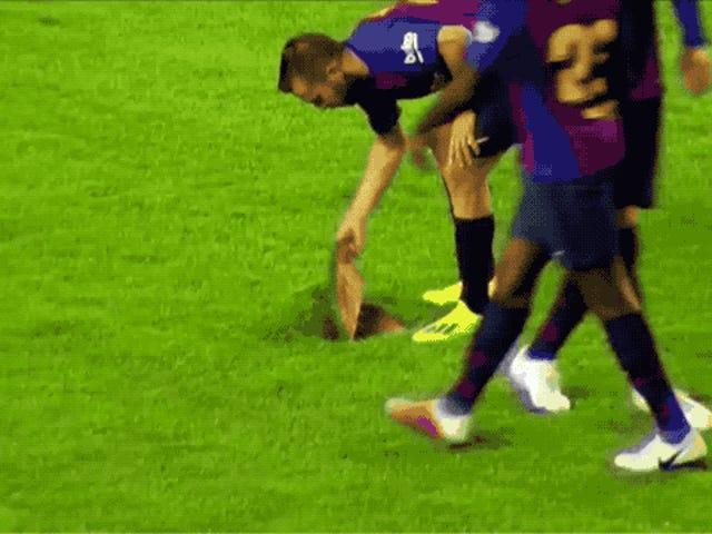Η Βαρκελώνη έπαιξε ένα παιχνίδι σε μία από τις χειρότερες σκηνές που θα δείτε ποτέ