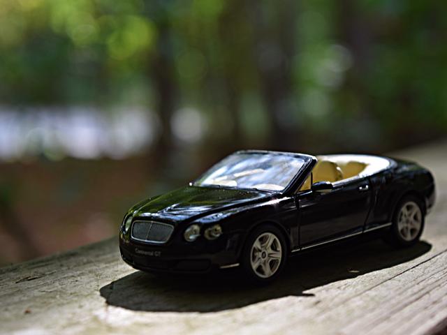 Nenhum carro define melhor os ideais de um passeio de domingo do que o Bentley Continental GTC