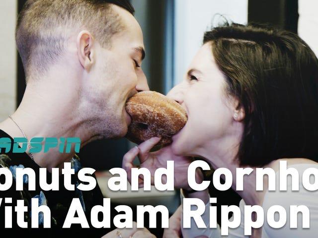 Olimpiyat Dedikoduları İçin Donutlarla Adam Rippon'a Rüşvet Verdik