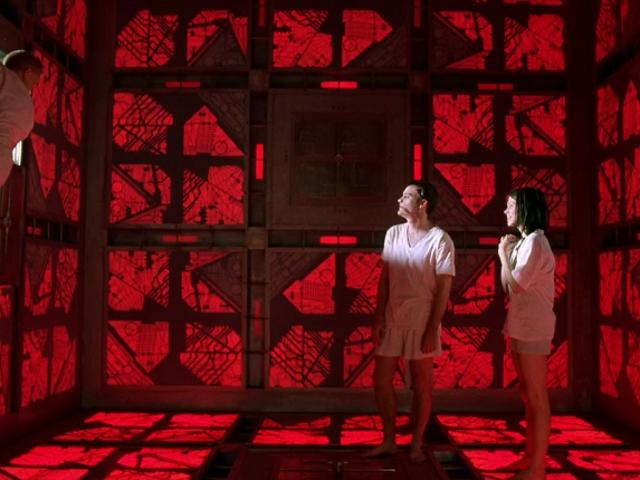 <i>Cube</i> 리메이크가 지연됨
