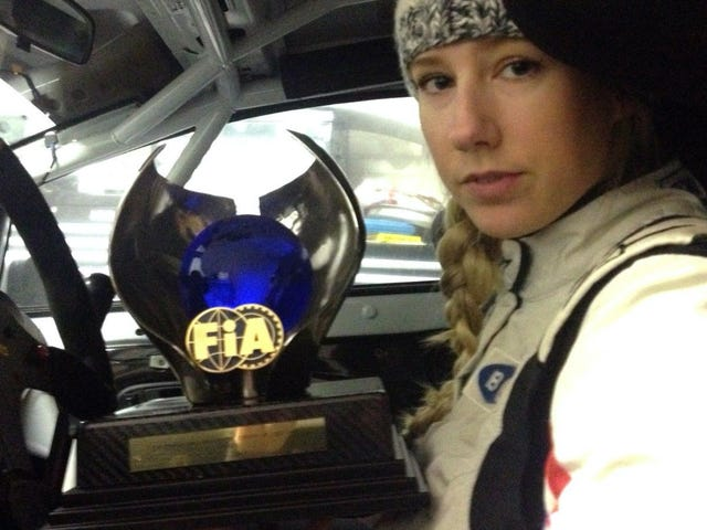 Rally Driver Auctions Off Your Own Rare Trophy pour financer Rally Sweden Entry