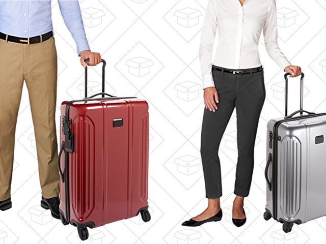 Your Holiday Packing Just Got Easier With This Discounted Tumi Vapor Lite Luggage