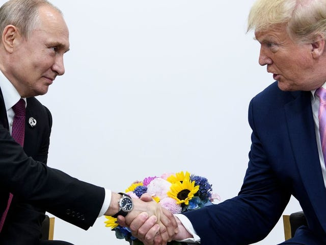 Russia Wants Trump in 2020 and the President Is Pissed That Intelligence Officials Keep Saying So