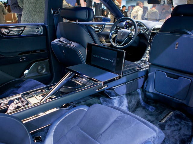 Inside The Lincoln Continental, It's Like Elvis Never Died