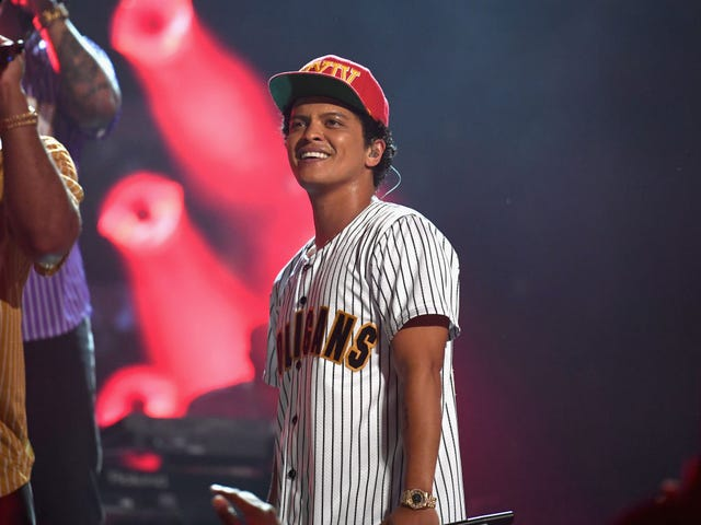 Bruno Mars Donates $1,000,000 to Help Flint, Mich., During Water Crisis