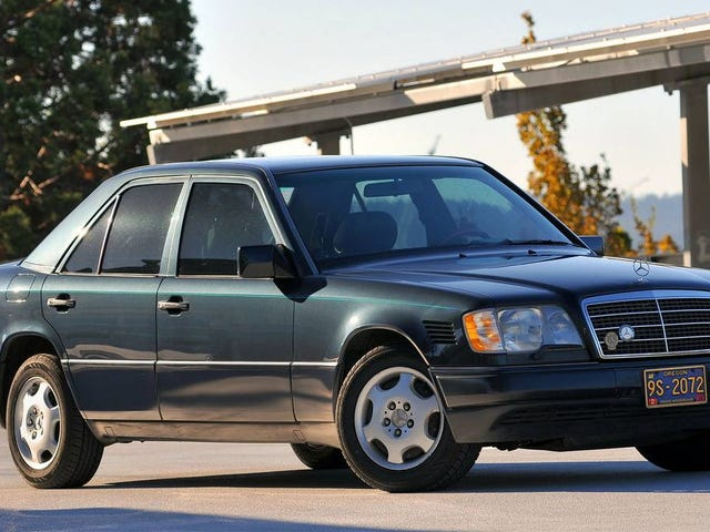 At $7,000, Could This High-Mileage 1995 Mercedes-Benz E300D Still Get You Going?