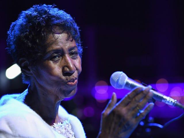 De IRS wil al zijn geld van Aretha Franklin, die naar verluidt miljoenen terugbetalingen heeft gedaan