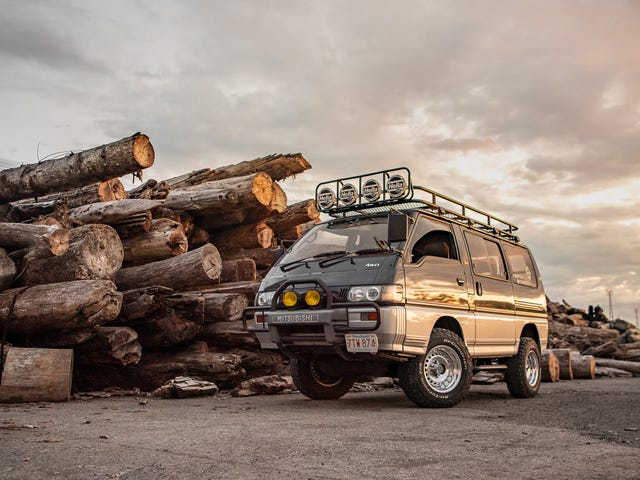 Your Ridiculously Radical Mitsubishi Delica Wallpapers Are Here