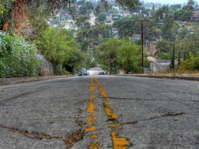 Waze认为,如果驾驶员无法做到这一点,那不是过错。危险地陡峭的LA街道不会崩溃 <em></em>